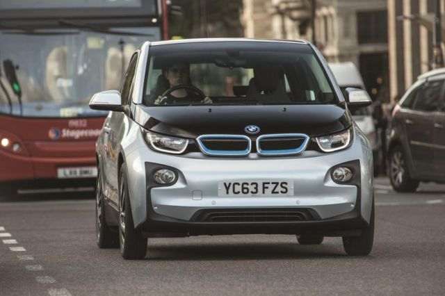 BMW i3 – Electric Car with Range Extender Auto