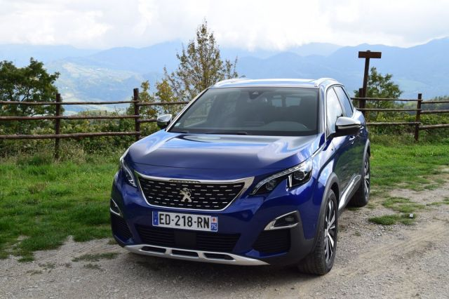 New PEUGEOT 3008 SUV Wins Car Of The Year 2017