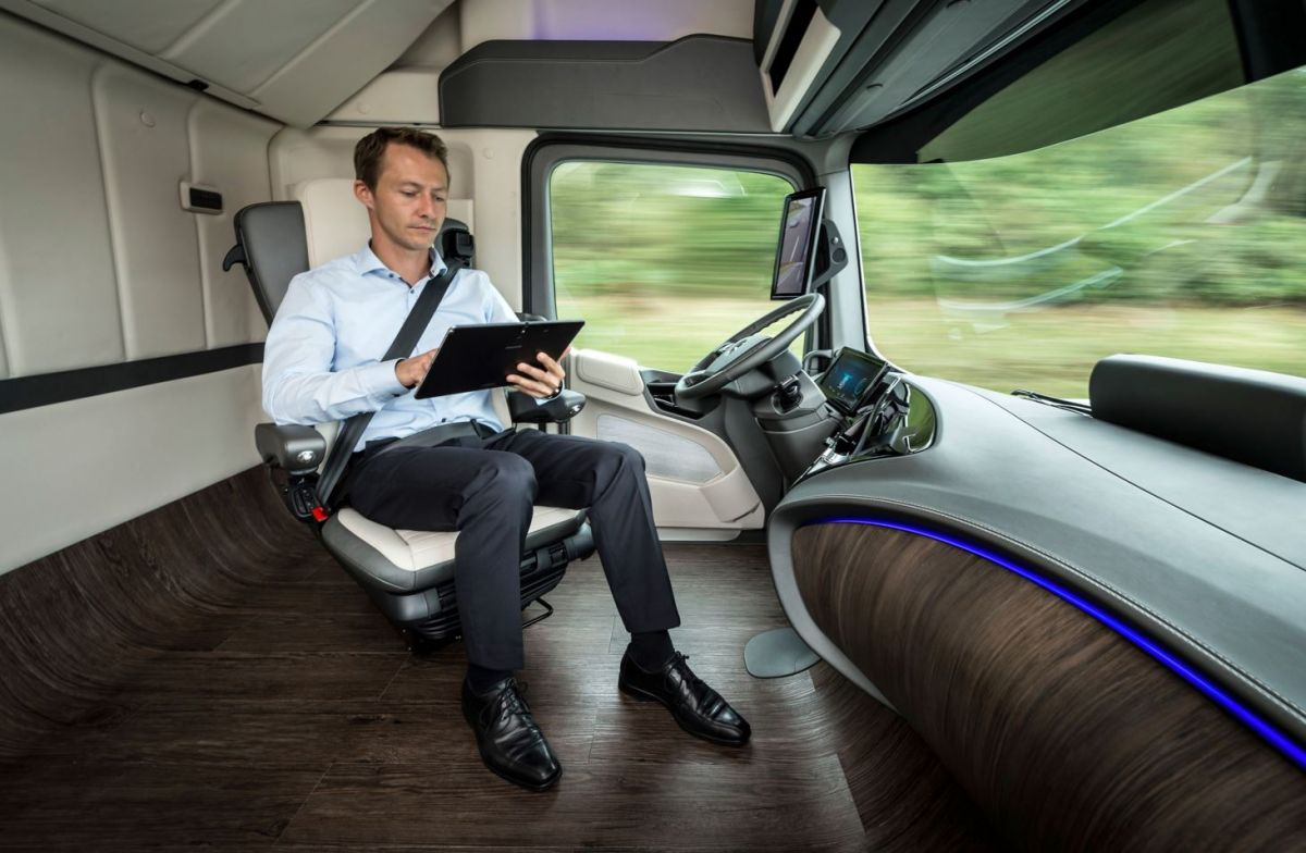 driverless lorry