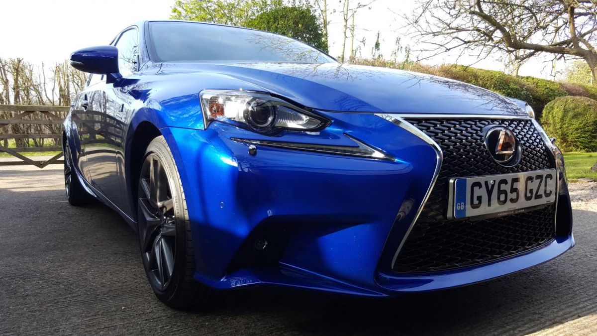 A Weekend With... The Lexus IS200t