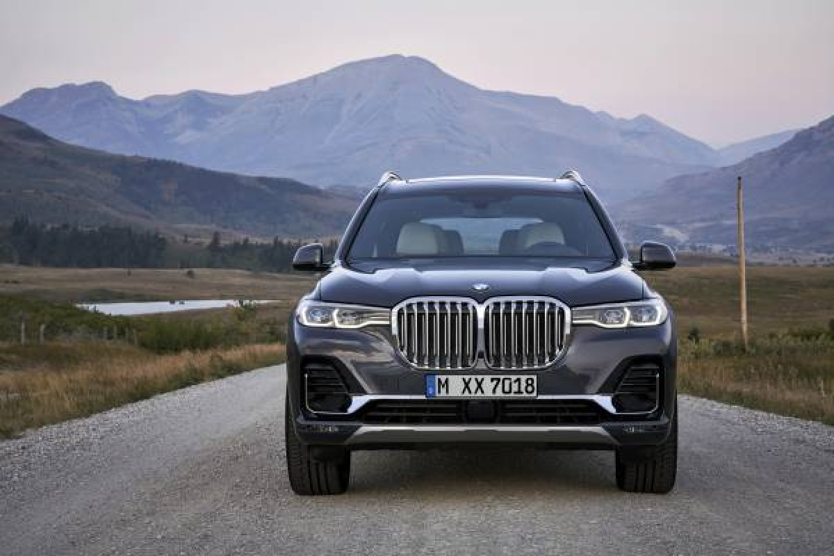 BMW's New Flagship X Model - The BMW X7 Image 1