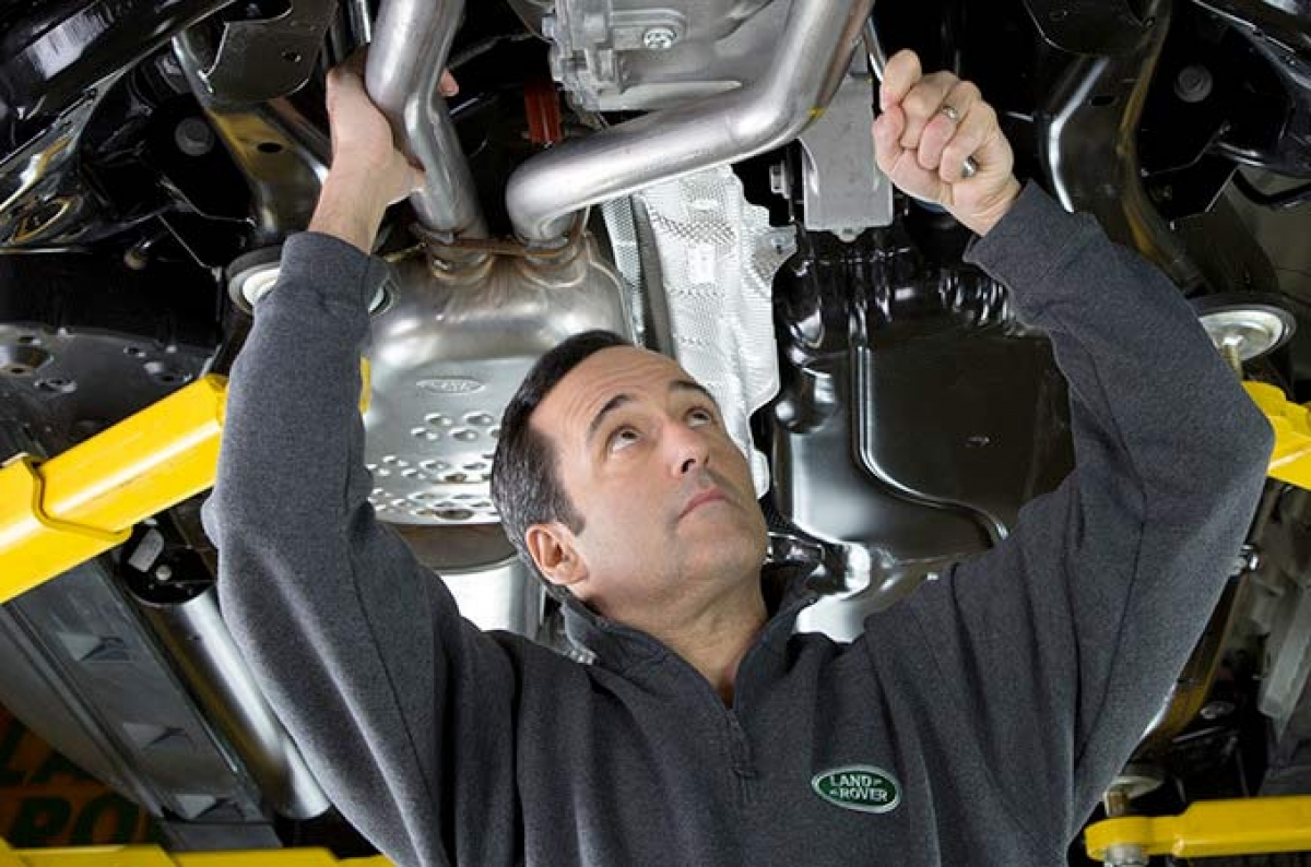 New 100% Land Rover Fixed Price Servicing for Vehicles 3 Years + Image 0