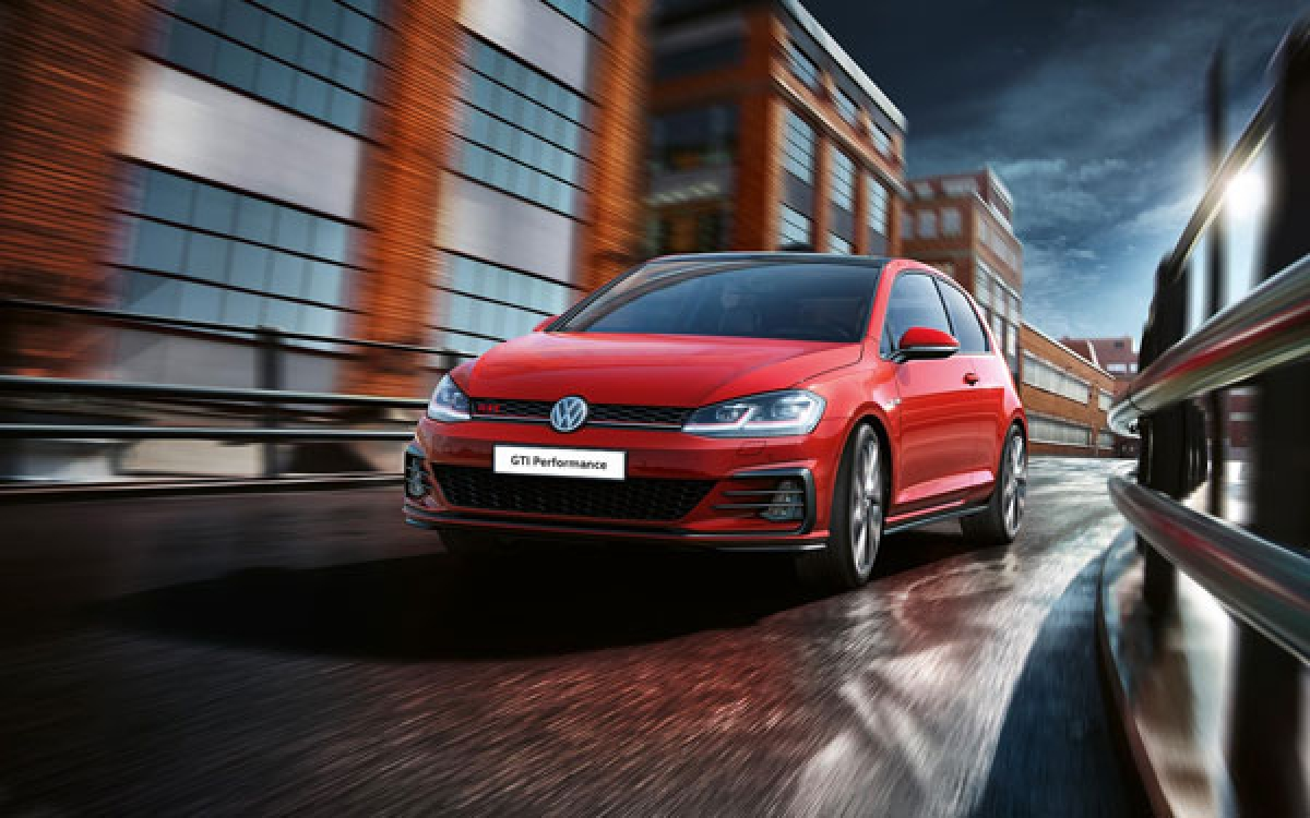 Explore the 2019 Volkswagen Golf and the Golf Range Event Image 1