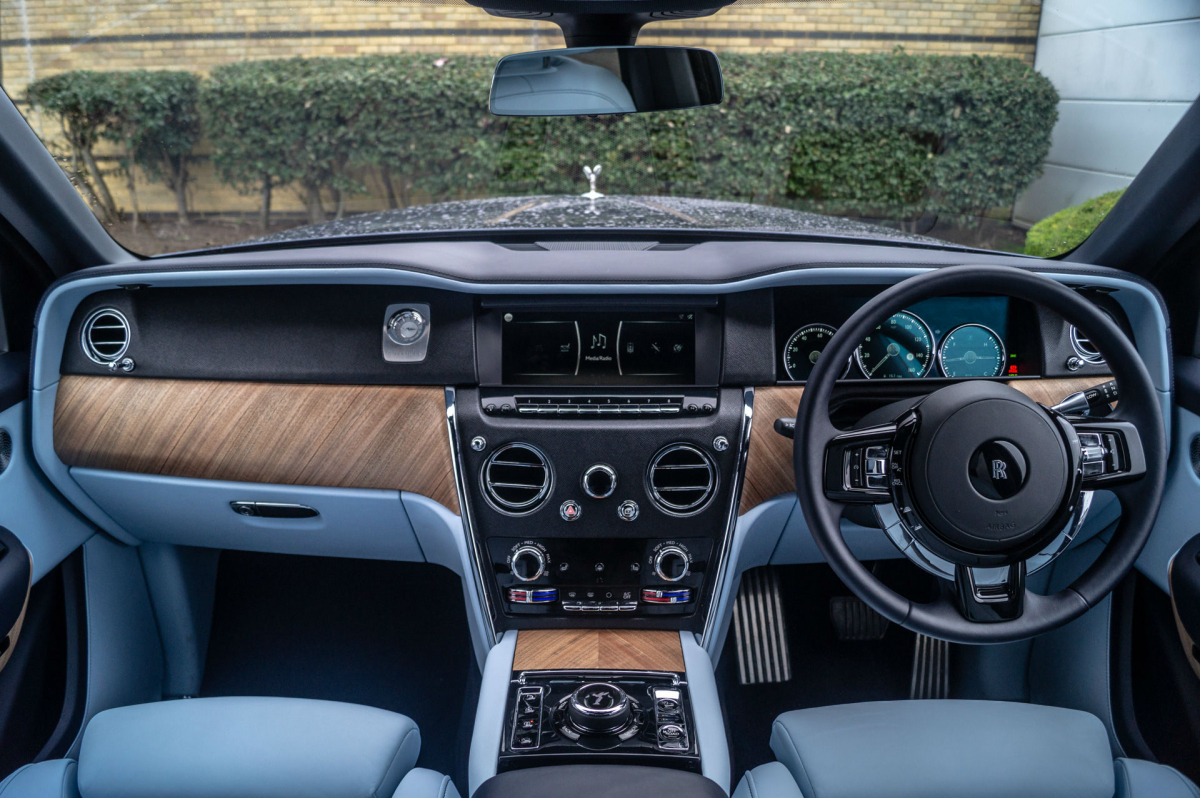A Weekend with a Rolls Royce Cullinan Image 1
