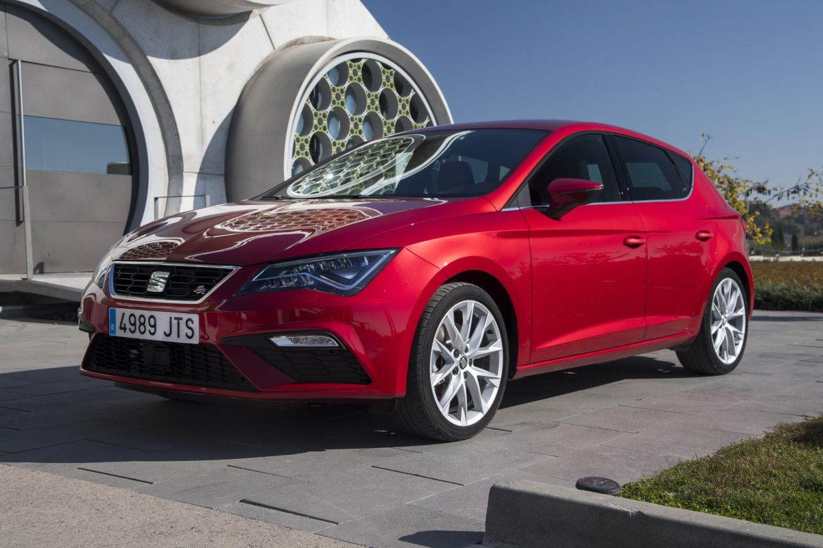 SEAT offer up to £3,000 towards your deposit two FREE services and an extra £500 saving when you take a test drive Image 5