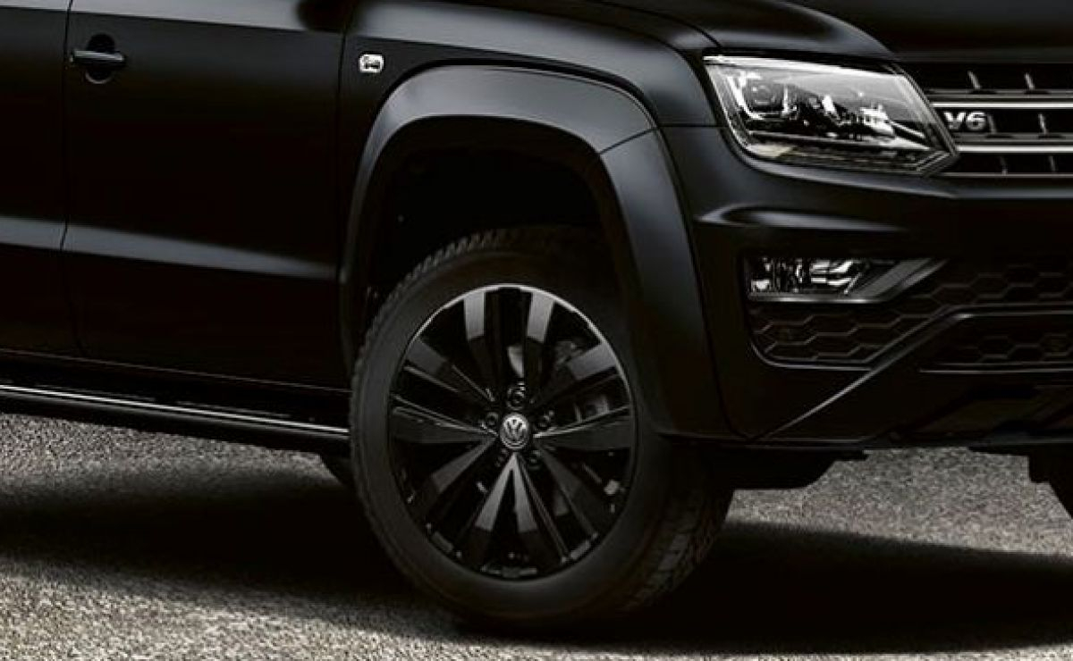The Amarok is Back in Black and Better than Ever Image 2