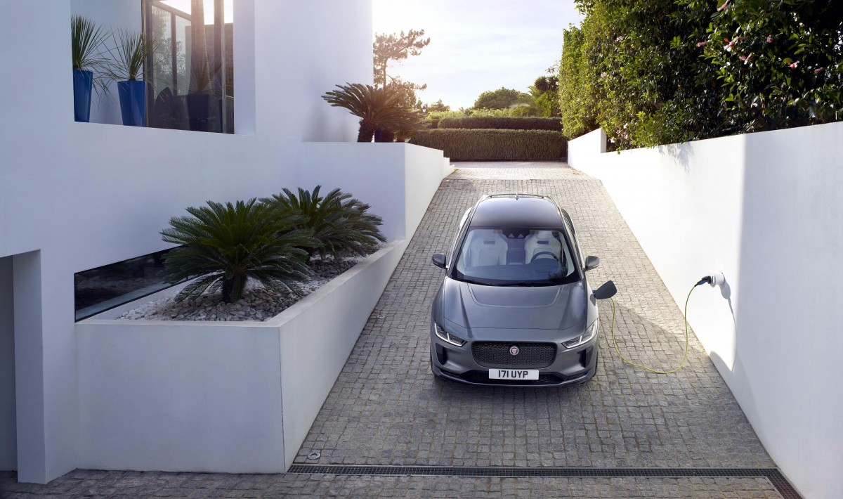 Explaining Electric Cars - Should I Buy an EV and Will It Save Me Money? Image 1