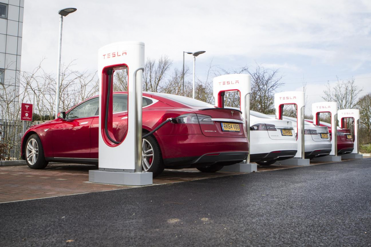 Drivers Face Electric Car Charger Postcode Lottery Image 0