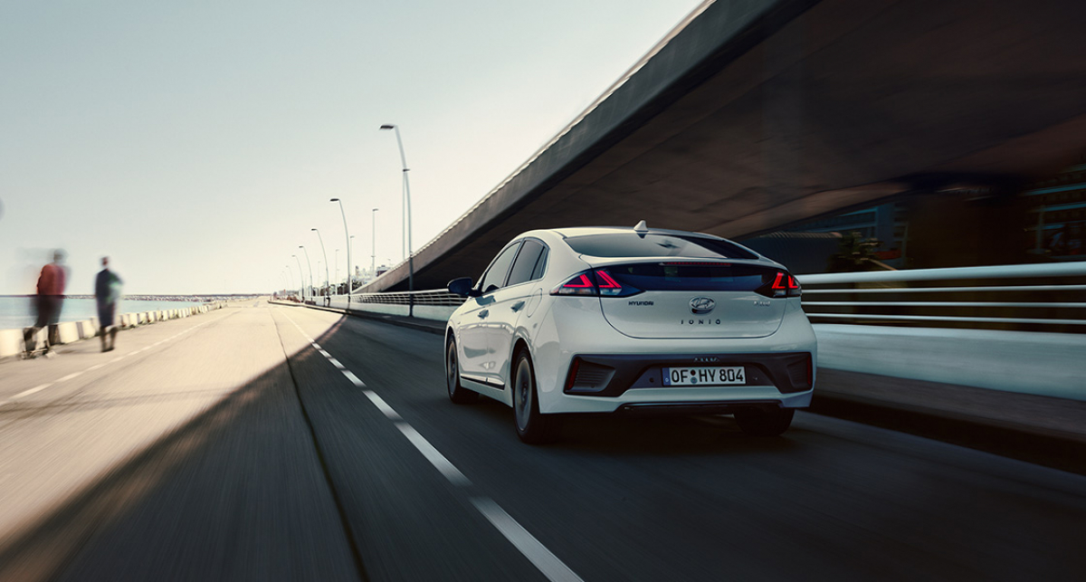 Hyundai IONIQ Hybrid £1,000 Saving in Test Drive and Buy Scheme Image 5