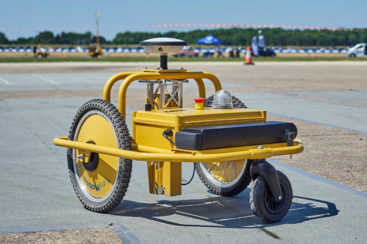 New Autonomous Robot Slashes Roadwork Delays Image