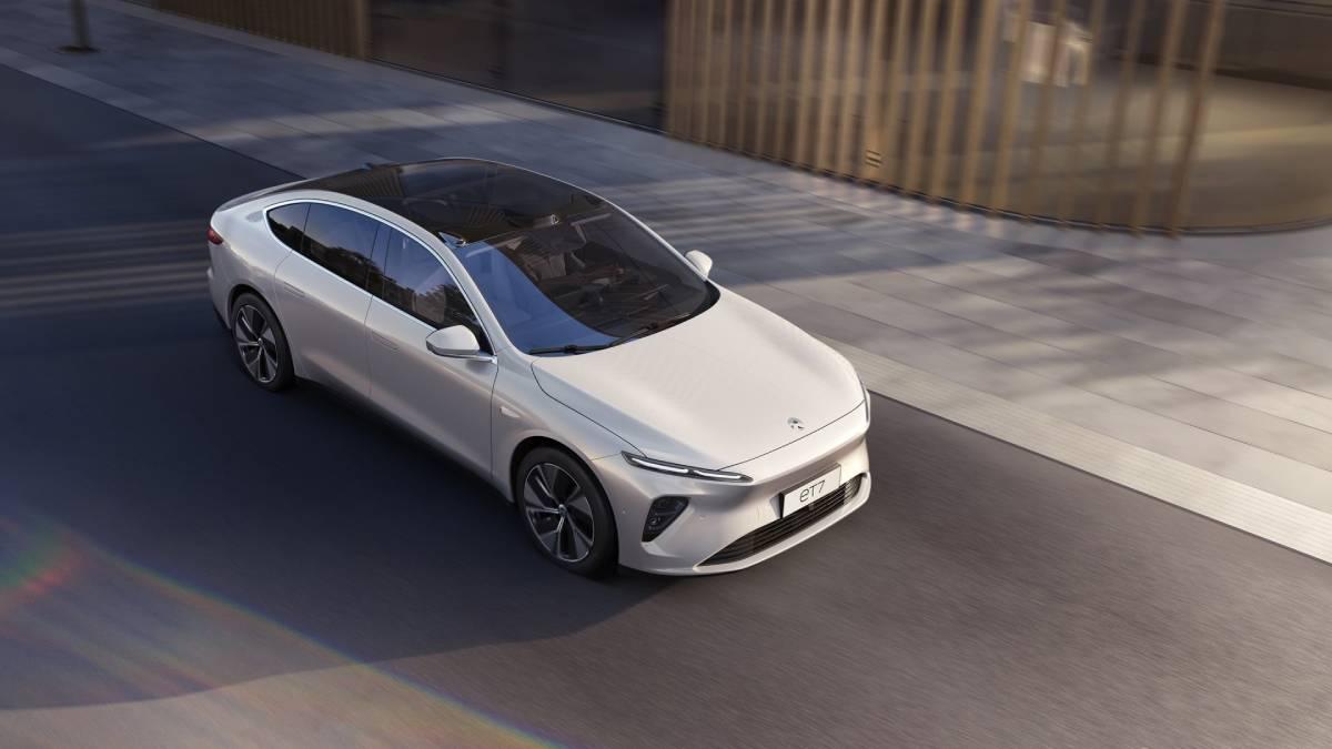 NIO ET7: Fast, Autonomous, Luxury Electric Saloon From China Image
