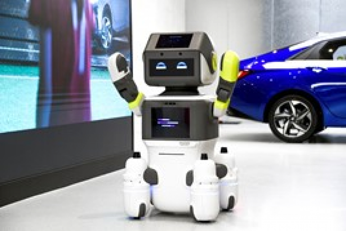 Robot replaces staff In Hyundai showroom Image