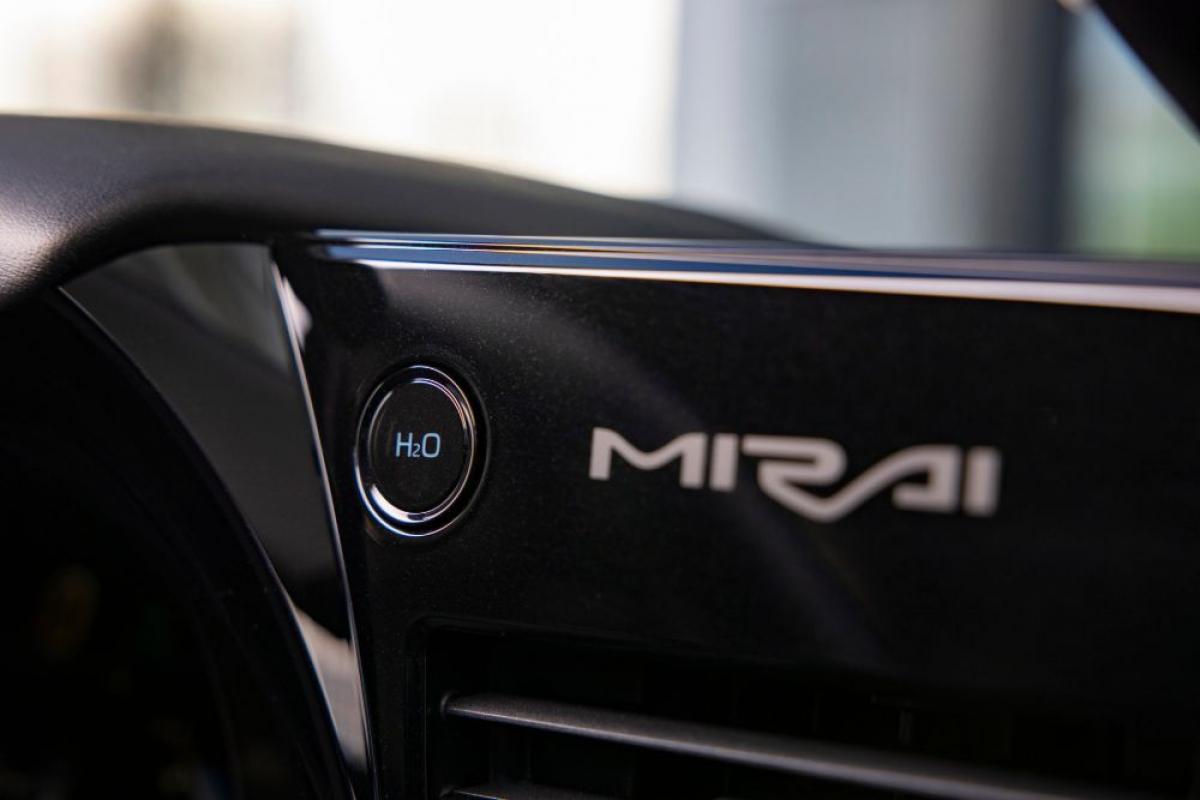 Toyota Mirai 2021 review