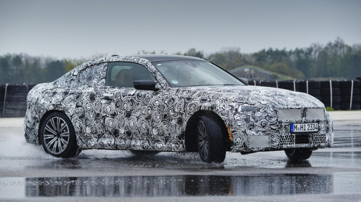 BMW reveals new 2 Series Coupe specs Image